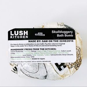 Lush Cosmetics UK Kitchen Skullduggery Bath Bomb